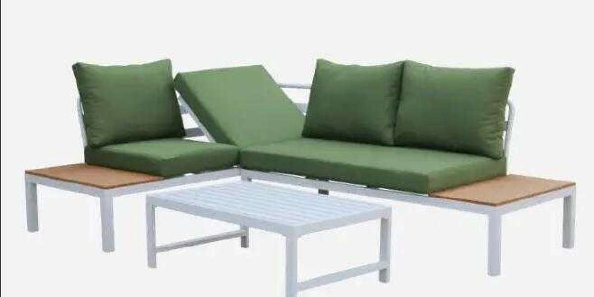 How Many People Will Typically Be Utilizing The Outdoor Dining Set?